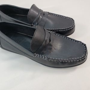 SIMPLY STYLED GENUINE BLACK LEATHER LOAFERS SIZE 8